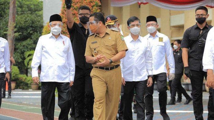 Wakil Presiden Maruf Amin Pantau Vaksinasi Massal di Pemkot Tangerang
