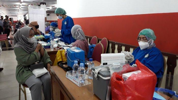 Selain Menimbulkan Kekebalan di Tubuh Masyarakat, Pelaksanaan Vaksinasi untuk Mencapai Herd Immunity