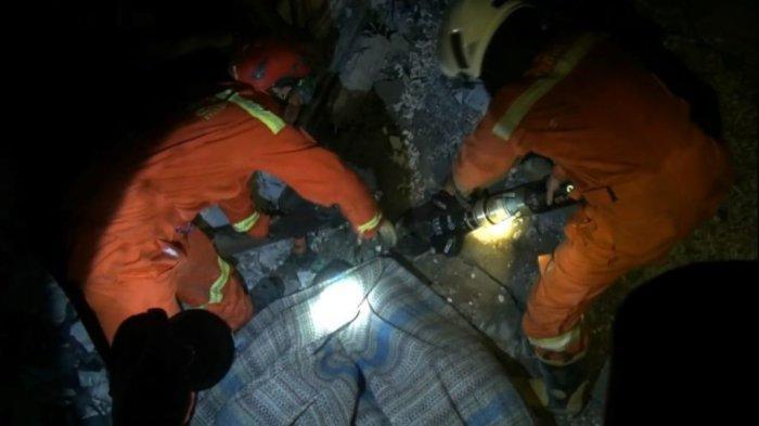 Seorang Warga Tewas Tertimpa Dak Gudang Roboh di Kapuk Muara, Awal Mulanya Seperti Ini