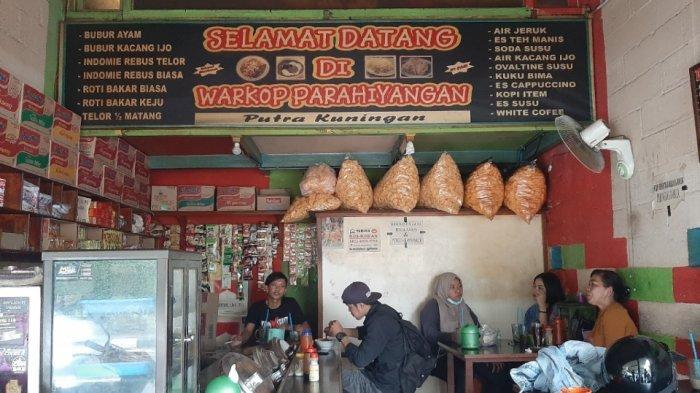 Warung kopi (warkop) Parahiyangan Putra Kuningan di Cipete Selatan, Cilandak, Jakarta Selatan, Senin (15/3/2021). Warkop ini sempat didatangi Gubernur DKI Jakarta Anies Baswedan.