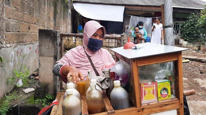 Bertahan Saat Pandemi, Penjualan Jamu Warsih Naik 50 Persen, hingga Ganti Kemasan Jadi Gelas Plastik