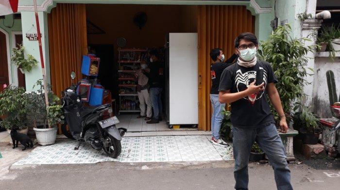 Tampak warung milik Laras di Jalan Puspa, Kelurahan Utan Kayu, Kecamatan Matraman, Jakarta Timur, Rabu (25/8/2021).