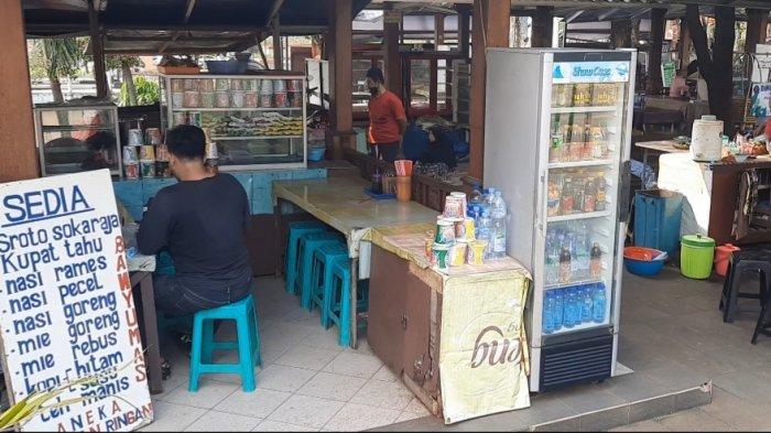 Sroto Sokaraja merupakan kuliner khas Banyumas yang sudah cukup terkenal di nusantara. Untuk bisa mencicipinya, tak perlu jauh-jauh ke Jawa Tengah. Datang saja ke Taman Mini Indonesia Indah (TMII) Jakarta Timur.