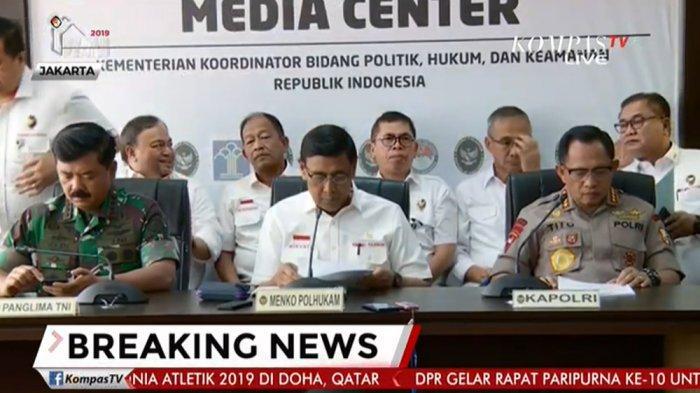 Menteri Koordinator Bidang Politik, Hukum, dan Keamanan (Menko Polhukam) Wiranto namun tak sepakat dengan semangat perubahan yang dibawa oleh para mahasiswa.
