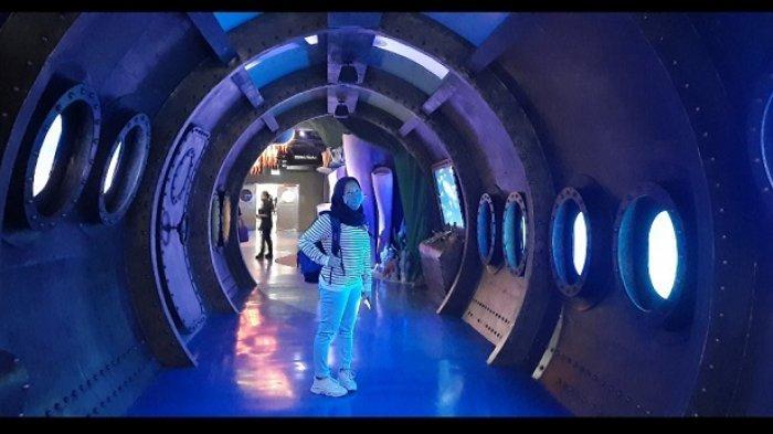 Wisata ke Jakarta Aquarium, di Neo Soho Mall, Jakarta Barat.