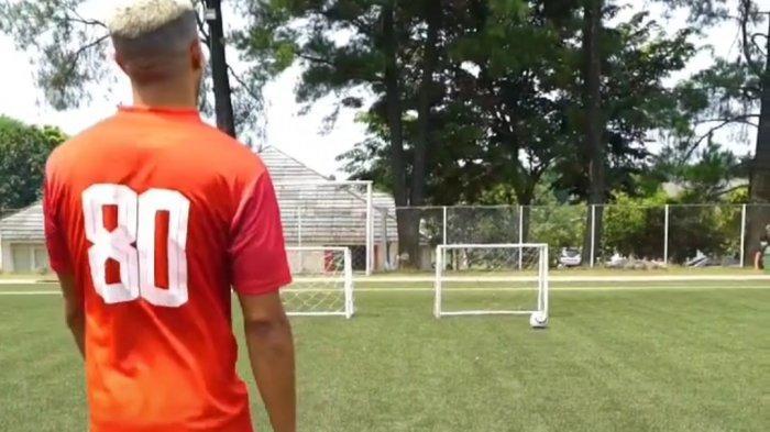 Yann Motta saat mengikuti gim dengan sponsor Persija Jakarta.