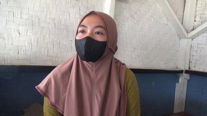 Yanti Jubaedah (25) saat ditemui Tribun di kediaman keluarga di Dusun Jalancagak, Desa/Kecamatan Jalancagak, Kabupaten Subang, Jawa Barat, Minggu (19/9/2021). (Dwiky Maulana Vellayati/Tribun Jabar)