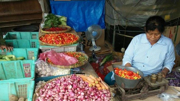 Mendekati Lebaran, Harga Kebutuhan Pokok di Pasar Kebayoran Lama Masih Stabil
