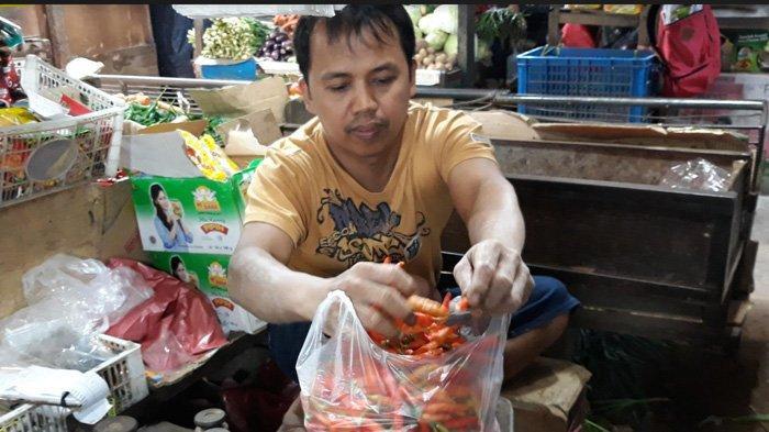 Sepekan Harga Cabai Meroket Rp 70 Ribu per Kilogram, Pedagang Pasar Cimanggis Bingung