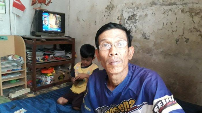 Ayah Terduga Teroris Cengkareng Tak Tahu Tempat Anaknya Ditangkap, Sebut Polisi Ambil Barang Ini