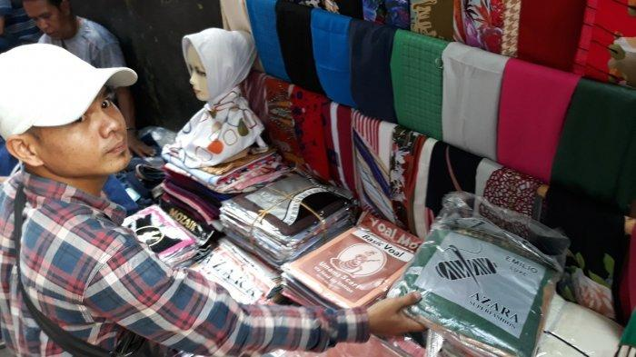 Awal Puasa, Pedagang Hijab di Tanah Abang Mengaku Omzetnya Belum Meningkat
