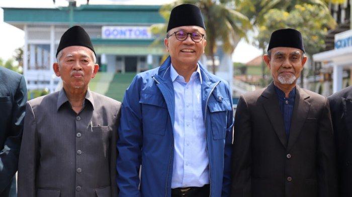 Sambangi Gontor, Zulkifli Hasan Minta Nasihat dan Doa Kyai