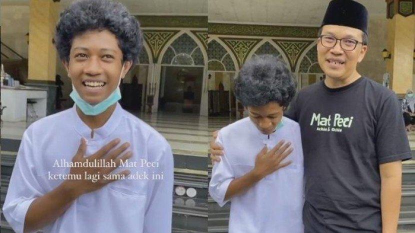 pemuda-rapihkan-sandal-di-masjid.jpg