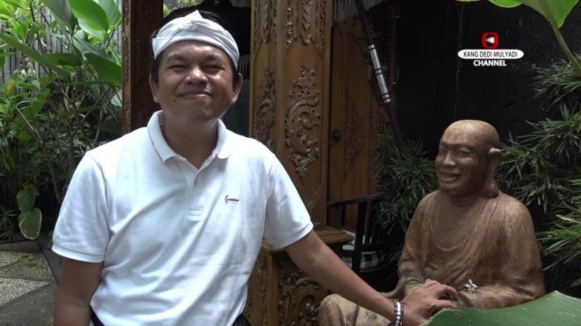 wakil-ketua-komisi-iv-dpr-ri-saat-mengomentari-kemunculan-kerajaan-angling-dharma.jpg