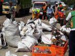 15-ton-sampah-diangkut-dalam-giat-pembersihan-kali-blencong-d.jpg