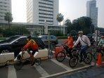 anies-gowes-sepeda-pake-batik-1.jpg