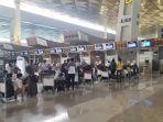 antrean-penumpang-di-terminal-3-bandara-soekarno-hatta-kamis-652021.jpg
