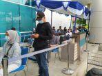 antrean-rapid-test-antigen-di-shelter-kalayang-terminal-2-bandara-soekarno-hatta-mengular.jpg