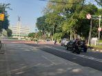 arus-lalu-lintas-di-depan-gereja-katedral-dan-masjid-istiqlal-kecamatan-sawah-besar.jpg