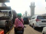 arus-lalu-lintas-di-jalan-boulevard-kelapa-gading_20181025_102626.jpg