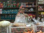 ayu-47-pedagang-sayur-mayur-di-pasar-ciracas.jpg