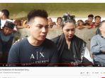baim-wong-menjawab-pertanyaan-awak-media-setelah-prosesi-pemakaman.jpg
