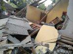 bangunan-roboh-akibat-gempa_20180729_101854.jpg