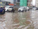 banjir-di-jalan-boulevard-barat-kelapa-gading.jpg