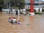 banjir-di-komplek-green-garden-kebon-jeruk.jpg