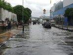 banjir-jalan-gunung-sahari.jpg