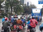 banjir-merendam-jalan-di-panjaitan-kecamatan-jatinegara-jakarta-timur.jpg