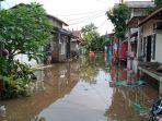 banjir-yang-melanda-kampung-bulak-pondok-kacang-timur-pondok-aren-tangerang-selatan.jpg