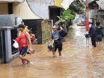 banjir-yang-merendam-permukiman-di-kawasan-pejaten-timur-pasar-minggu.jpg
