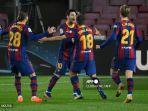 bek-barcelona-jordi-alba-merayakan-golnya-bersama-lionel-messi.jpg