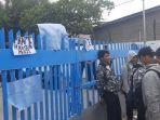 bekas-pegawai-magang-pt-transjakarta-berunjuk-rasa-menuntut-pkwt-2.jpg