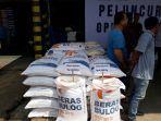 beras-di-pasar-cipinang.jpg