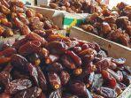 buah-kurma-yang-dijual-di-salah-satu-kios-pedagang-di-pasar-tanah-abang.jpg