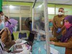 bupati-tangerang-ahmed-zaki-iskandar-memantau-proses-vaksinasi-covid-19.jpg