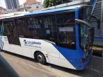 bus-transjakarta_20180327_173533.jpg
