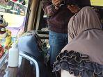 bus-yang-beroperasi-di-terminal-bus-tanjung-priok-menyediakan-hand-sanitizer.jpg
