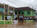 dapur-umum-untuk-korban-tsunami-selat-sunda-di-kecamatan-labuan-pandeglang.jpg