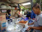 dapur-umum-yang-disediakan-sudin-sosial-jakarta-timur-senin-872019.jpg