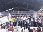 deklarasi-dukungan-buruh-kepada-jokowi-di-mm2100-minggu-742019.jpg