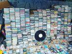 deretan-kaset-kaset-lagu-bekas-yang-dijual.jpg