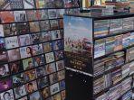 deretan-kaset-musik-jadul-di-blok-m-square-jakarta-selatan-rabu-6102021.jpg