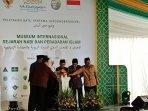 dewan-masjid-indonesia-peletakan-batu-pertama.jpg