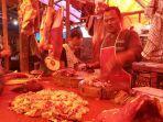 didid-seorang-pedagang-daging-sapi-di-pasar-anyar-tangerang-senin-362019.jpg