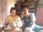 dino-simson-aritonang-34-bersama-istrinya-ita-br-turnip_20180625_063905.jpg