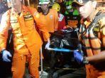 evakuasi-jenazah-lion-air-jt610_20181029_211307.jpg