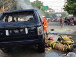 evakuasi-mobil-terbakar-di-jalan-rawamangun-muka-timur-0.jpg